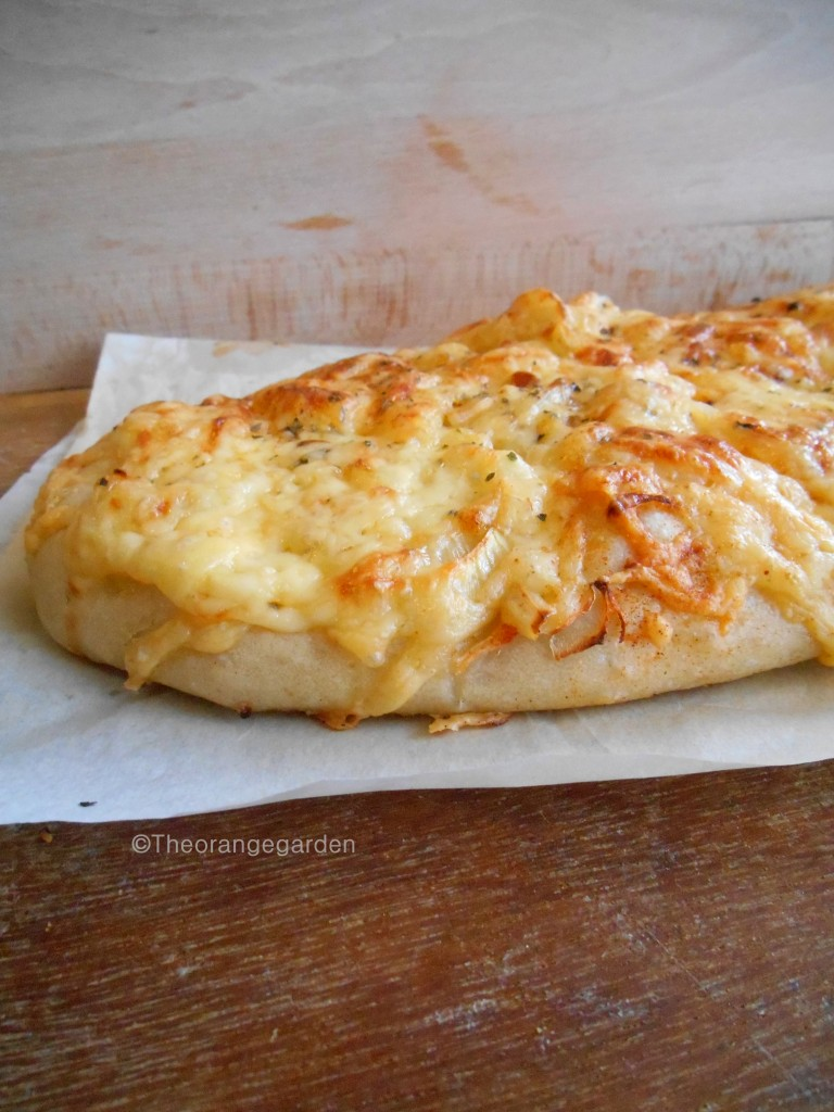 kaasuienbrood, kaas, brood, cheese and onion bread, the orange garden